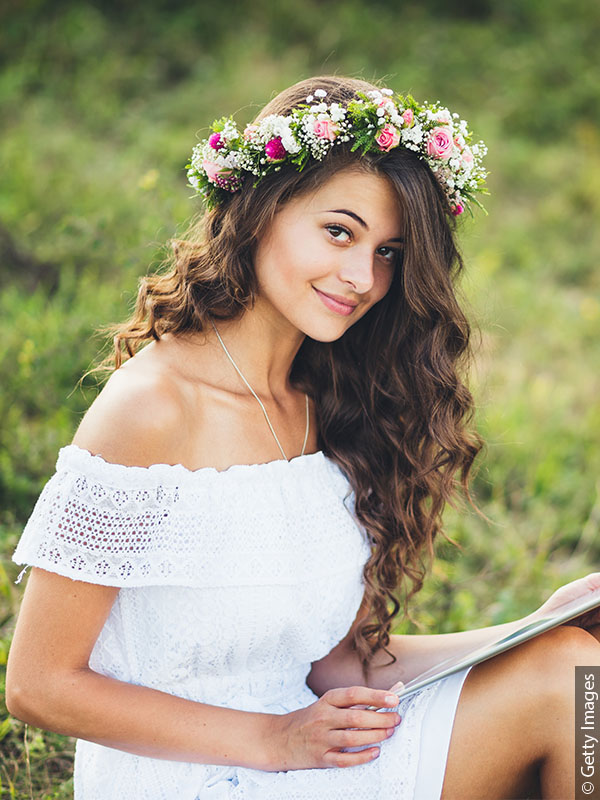600x800_woman-with-hair-down-and-flower-crown